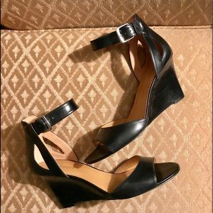 NINE WEST NOBODY OPEN TOE ANKLE STRAP WEDGE PUMPS